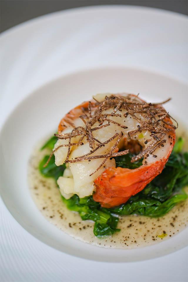 李强创作菜品——黑松露上汤焗龙虾